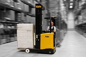yale-reach_truck-300